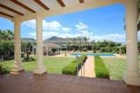 Paradiesisches Finca Anwesen in herrlicher Privatlage mit Blick in die Bergkette in Pedreguer - Offener Blick