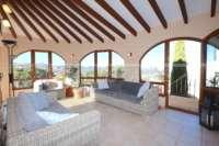Impresionante chalet en zona tranquila y soleada con vistas al mar en Monte Pego - Terraza acristalada