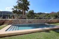 Aussi belle que neuve et moderne est cette finca de style méditerranéen à Benidoleig - Piscine d'eau salée