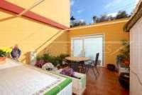 Maison mitoyenne bien entretenue avec terrasse et chauffage au sol au cœur de Benidoleig - Maison mitoyenne à Benidoleig
