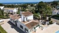Amplia villa a pocos minutos del mar en Javea - Villa en Javea