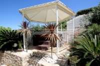 Villa mit viel Platzangebot in idyllischer Privatlage mit traumhaftem Meerblick in Benidoleig - Jacuzzi