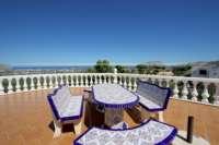 Villa mit viel Platzangebot in idyllischer Privatlage mit traumhaftem Meerblick in Benidoleig - Dachterrasse