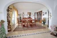 Villa mit viel Platzangebot in idyllischer Privatlage mit traumhaftem Meerblick in Benidoleig - Esszimmer