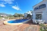 Bonita villa con piscina y vistas al valle de Orba - Terraza de la piscina