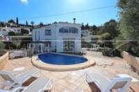 Bonita villa con piscina y vistas al valle de Orba - Chalet en venta en Orba