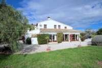 Großzügige Finca in idyllischer Privatlage mit herrlichem Blick auf den Peñon de Ifach in Benissa - Landhaus in Benissa