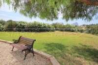 Großzügige Finca in idyllischer Privatlage mit herrlichem Blick auf den Peñon de Ifach in Benissa - Pflegeleichter Garten