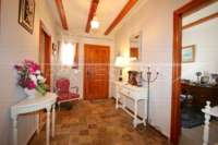 Großzügige Finca in idyllischer Privatlage mit herrlichem Blick auf den Peñon de Ifach in Benissa - Eingangsbereich