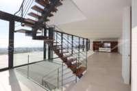 Excepcional villa de lujo moderna a estrenar con impresionantes vistas en Benissa - Escaleras