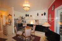 Farbenfrohes Ferienhaus unweit vom Meer und Ortskern in Els Poblets - Küche