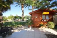3 Schlafzimmer Villa auf großem Grundstück in ruhiger Ortsrandlage von Els Poblets - Gartenhaus
