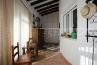 3 Schlafzimmer Villa auf großem Grundstück in ruhiger Ortsrandlage von Els Poblets - Eingangsbereich