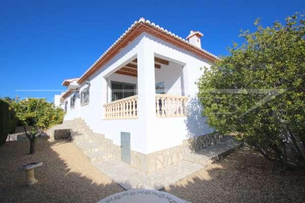 Chalet muy bien cuidado con orientación al sur en Pedreguer, 03750 Pedreguer (España), Casa