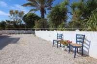 Pompöse Finca zwischen Palmen und Orangenhainen in Ondara - Pflegeleichter Garten