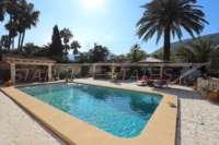 Finca clásica mediterránea en una ubicación privilegiada en Denia - Área de piscina