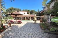 Finca clásica mediterránea en una ubicación privilegiada en Denia - Casa grande en Denia