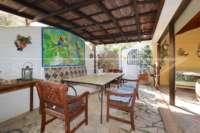 Finca clásica mediterránea en una ubicación privilegiada en Denia - asientos exteriores