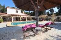 Finca clásica mediterránea en una ubicación privilegiada en Denia - Terraza de la piscina