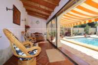 Finca clásica mediterránea en una ubicación privilegiada en Denia - Jardín de invierno