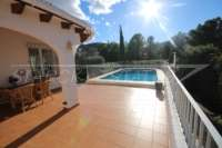 Chalet perfecto de 2 dormitorios en parcela de esquina soleada en Monte Pego - Terraza de la piscina