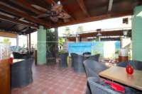 Top Business Gelegenheit - Restaurant mit Wohnung in zentraler Lage von Denia - Belüftete Terrasse