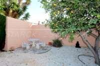 Bonita casa adosada de esquina con jardín privado cerca de la playa en Els Poblets - Jardín privado
