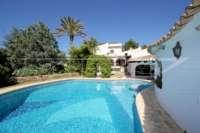 Mediterrane Villa auf privatem Grundstück mit traumhaftem Blick am Monte Pego - Villa in Monte Pego