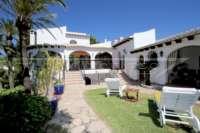 Mediterrane Villa auf privatem Grundstück mit traumhaftem Blick am Monte Pego - Haus am Monte Pego