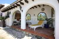 Mediterrane Villa auf privatem Grundstück mit traumhaftem Blick am Monte Pego - Überdachte Terrasse