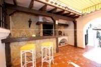 Mediterrane Villa auf privatem Grundstück mit traumhaftem Blick am Monte Pego - Sommerküche