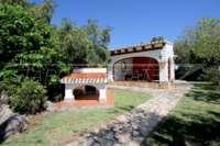 Mediterrane Villa auf privatem Grundstück mit traumhaftem Blick am Monte Pego - Hundehütte