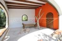 Mediterrane Villa auf privatem Grundstück mit traumhaftem Blick am Monte Pego - Vogelvoliere