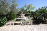 Mediterrane Villa auf privatem Grundstück mit traumhaftem Blick am Monte Pego - Brunnen