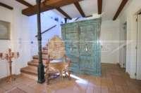 Luxuriöses Finca Anwesen auf sonnigem Privatgrundstück mit traumhaftem Blick in Benidoleig - Treppe