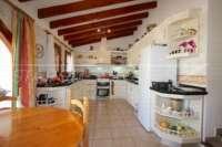 Spacieuse maison de campagne avec une vue imprenable sur le pic de l'Ifach à Benissa - Cuisine
