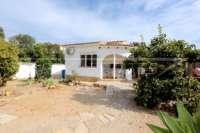 Modernisierungsbedürftige Villa nur 400 m vom Meer in Els Poblets - Villa in Els Poblets