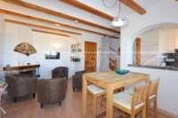 Maison de ville au premier étage dans la première ligne de plage à Els Poblets - Salon / salle à manger