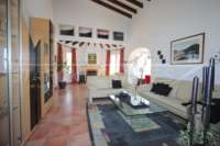 Chalet bien mantenido de 2 dormitorios en la mejor posición panorámica en Monte Pego - Salón