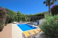 Schöne Villa im Landhausstil mit Pool in exklusiver Urbanisation in Javea - Private Poolterrasse