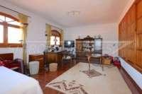 Klassisch mediterranes Finca Anwesen in Top Lage von Denia - Büro