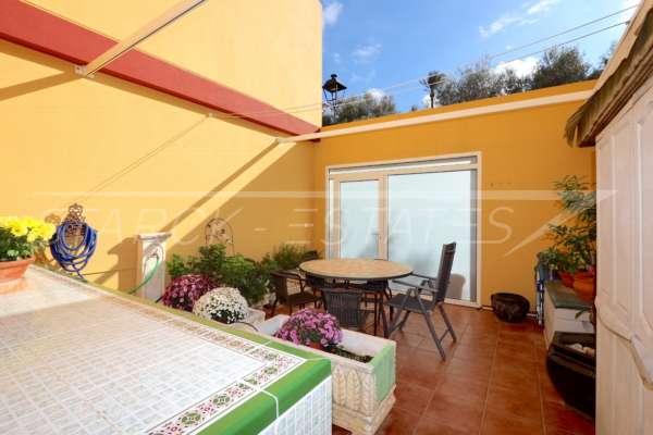 Gepflegtes Reihenhaus mit Patio und Fußbodenheizung im Herzen von Benidoleig, 03759 Benidoleig (Spanien), Reihenhaus