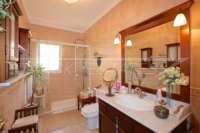 Gepflegtes Reihenhaus mit Patio und Fußbodenheizung im Herzen von Benidoleig - Badezimmer mit Dusche