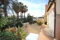 Luxusvilla mit Gästeapartment auf großem Grundstück nur 400 m vom Meer in Els Poblets - Mediterran