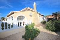 Luxusvilla mit Gästeapartment auf großem Grundstück nur 400 m vom Meer in Els Poblets - Haus in Els Poblets