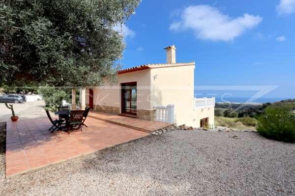 Moderne Finca auf pflegeleichtem Grundstück in bester Panoramalage in Benimeli, 03769 Benimeli (Spanien), Finca
