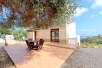 Moderne Finca auf pflegeleichtem Grundstück in bester Panoramalage in Benimeli - Terrasse
