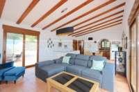 Moderne Finca auf pflegeleichtem Grundstück in bester Panoramalage in Benimeli - Wohnzimmer
