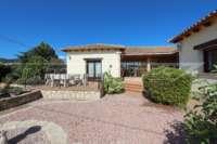 Villa de campagne <> espagnole avec maison d'hôtes à Benidoleig - Maison vue de face