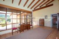 Villa de campagne <> espagnole avec maison d'hôtes à Benidoleig - salle